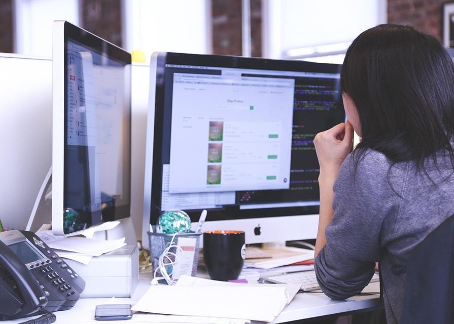 startup-business-people-projektowanie-stron-internetowych
